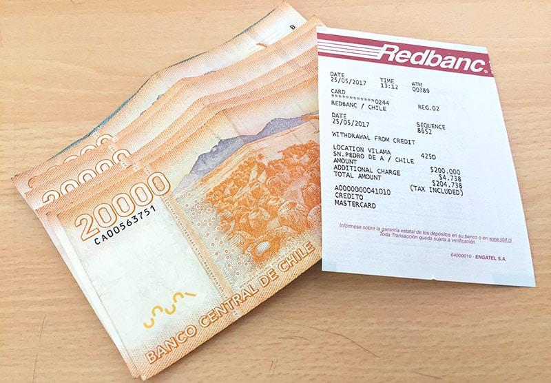 Levar dólar ou real para o Chile?