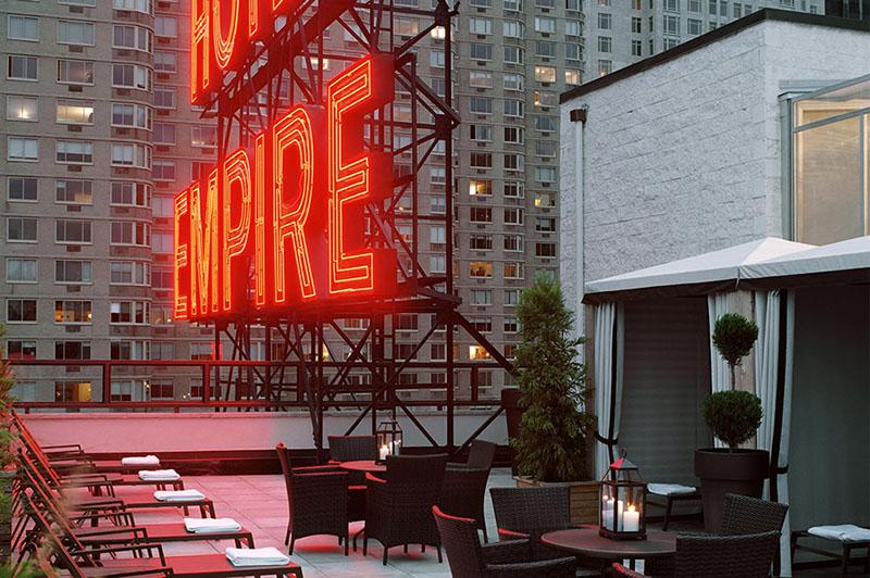 Como conhecer o Empire Hotel Rooftop