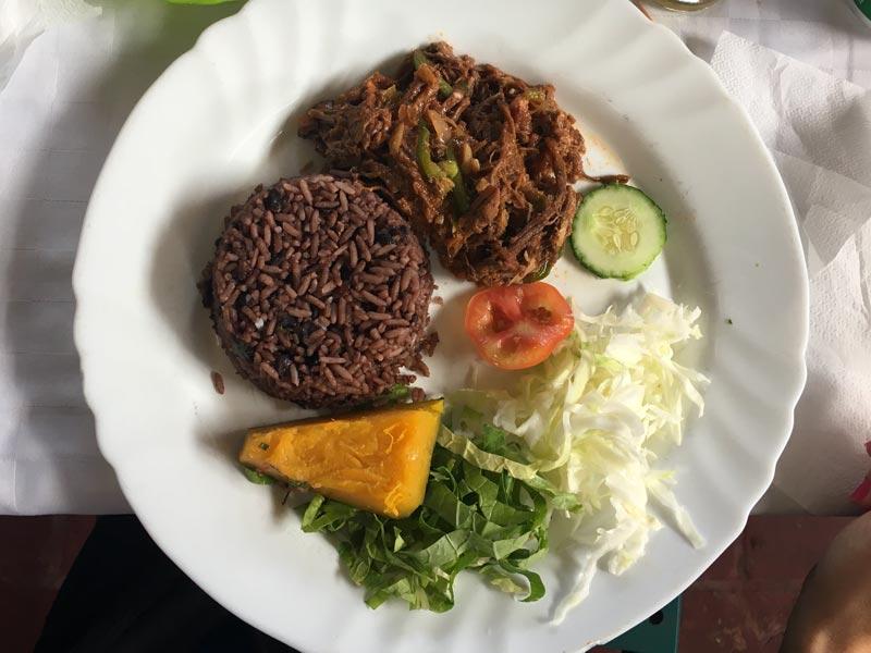 Comida típica cubana
