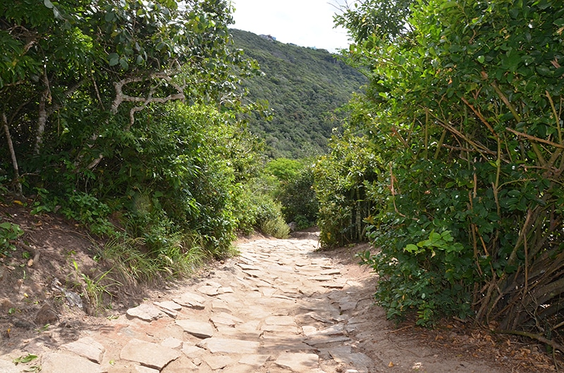 Qual é o tamanho da trilha para Praia do Forno