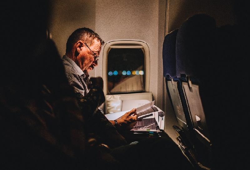 O que fazer no avião durante um voo internacional