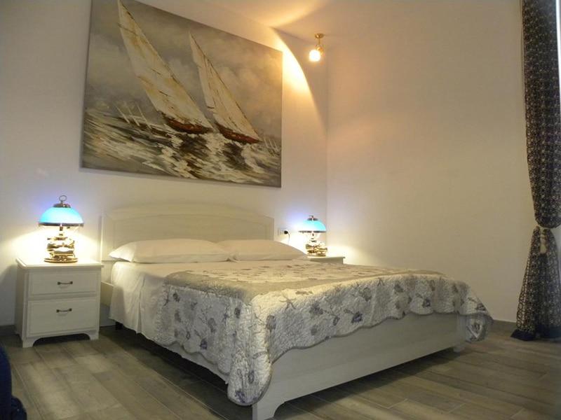 Hotel perto da estação de trem em La Spezia.