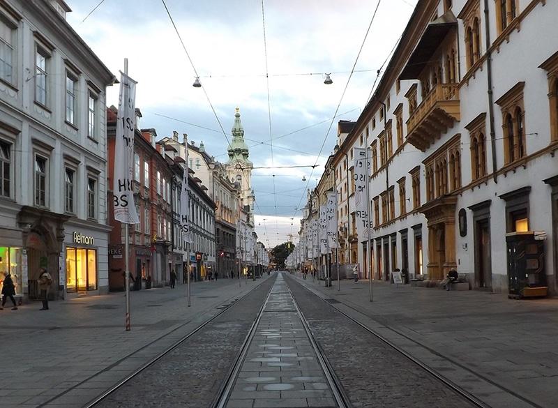 Visitar cidade de trem a partir de Viena
