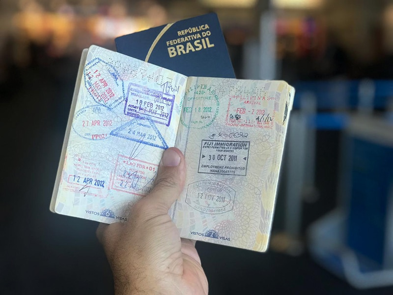 É preciso tirar cópia autenticada do passaporte para viagem