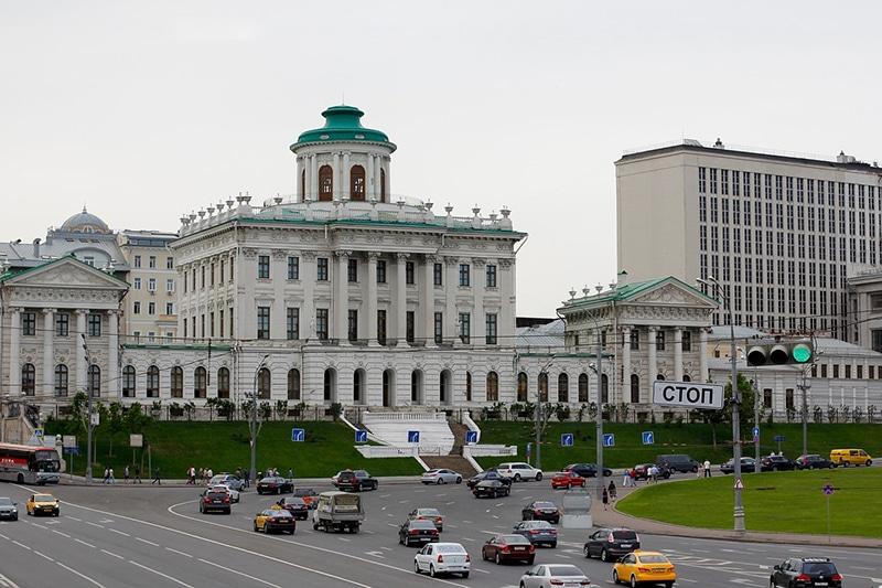 Andar de táxi e Uber em Moscou