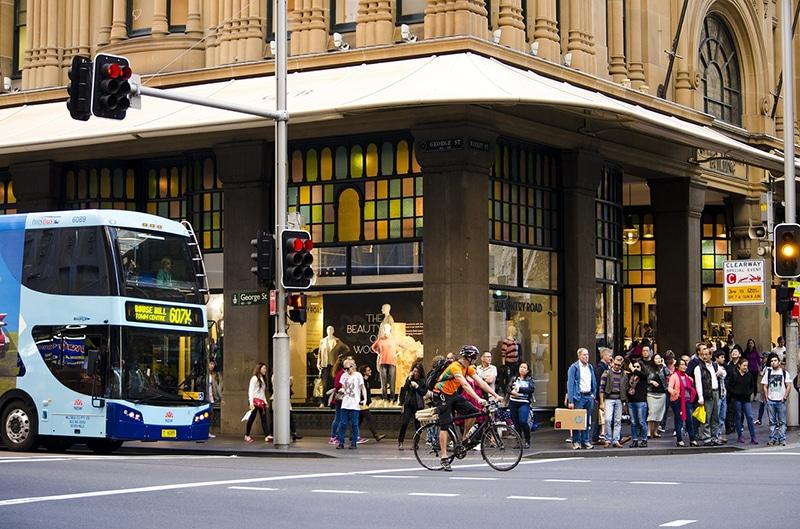 Pedestre é multado na Austrália