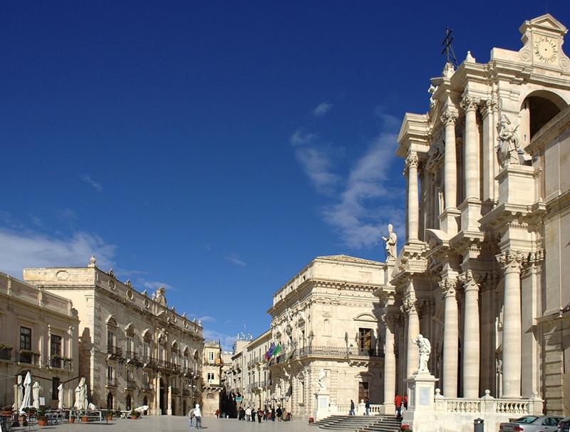 Cidade parecida com a Grécia na Itália