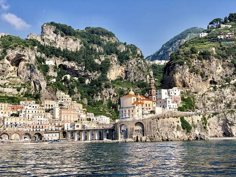 Cidades com praias da Itália