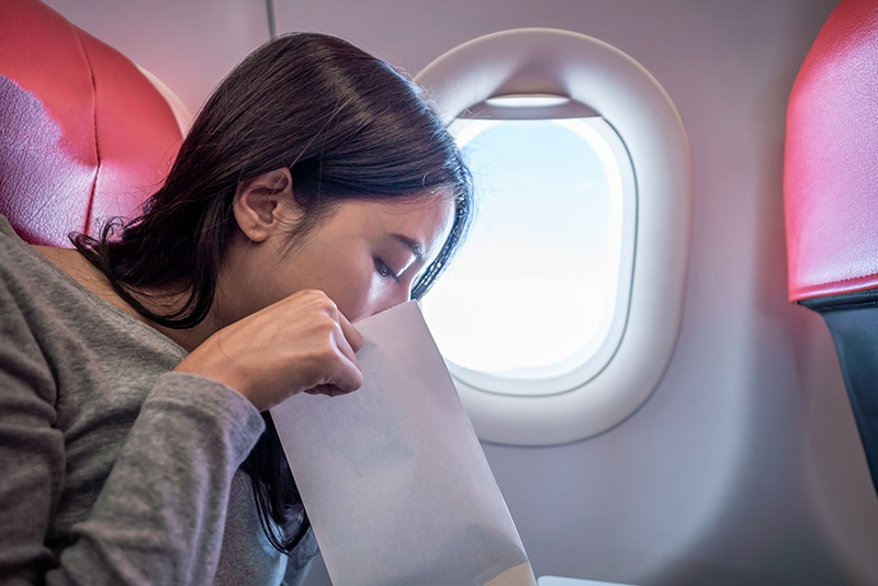 Voar de avião dá enjoo?