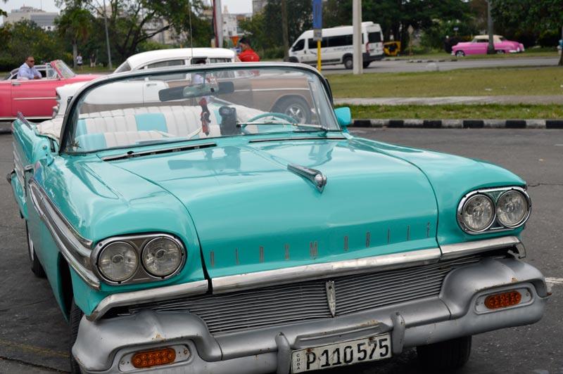 Passeio de carro em Cuba costumes locais