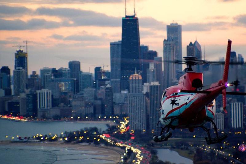 Voo noturno em helicóptero em Chicago