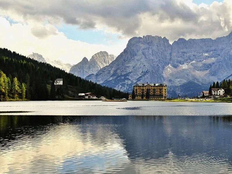 Lago italianos para visitar no inverno