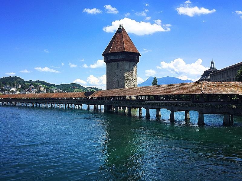 Como chegar em Berna de Lucerna usando trem