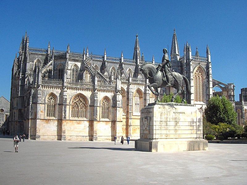 Mosteiro da Batalha história de Portugal