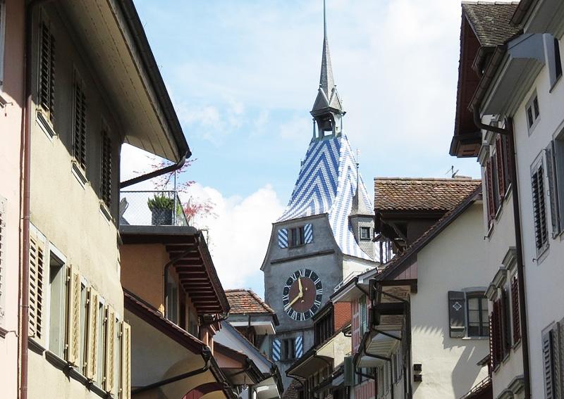 Qual é o fuso horário na Suíça?