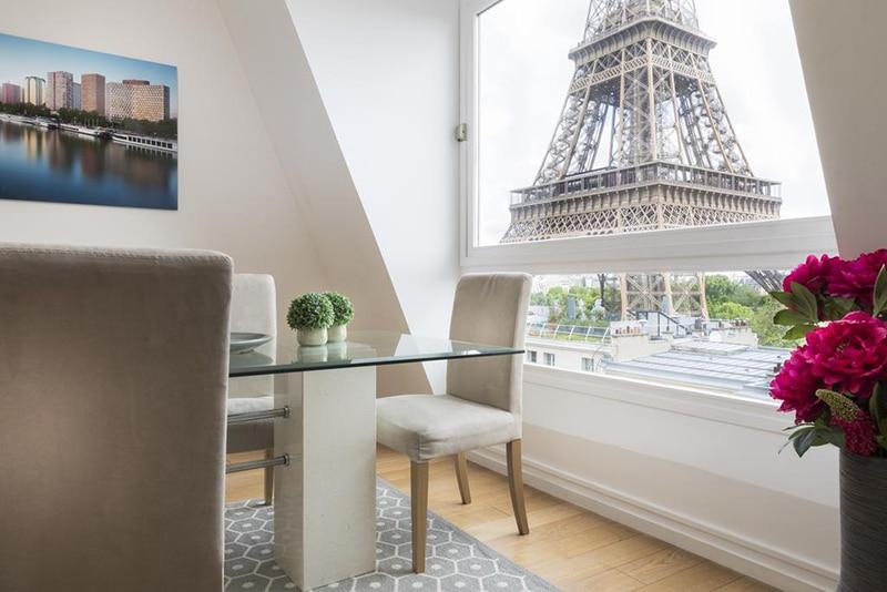 Hotel com varanda para Torre Eiffel