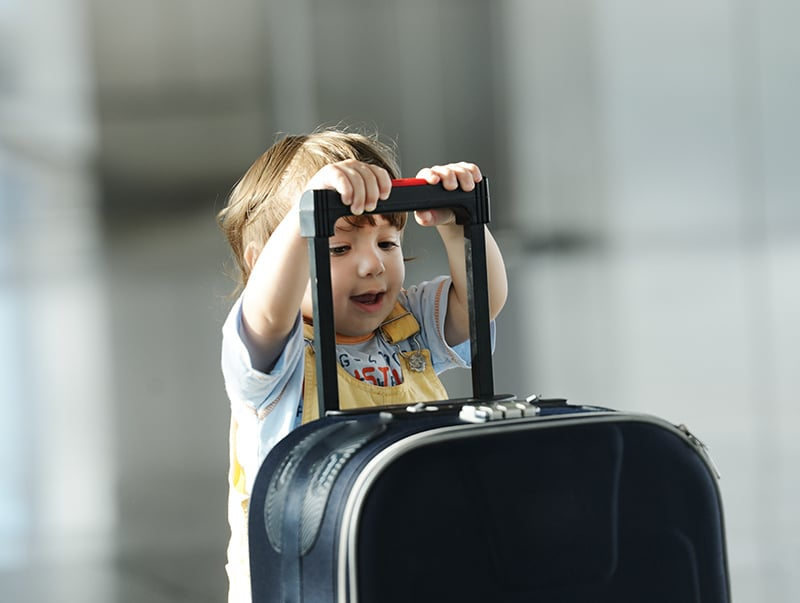 Idade para bebês viajarem de avião