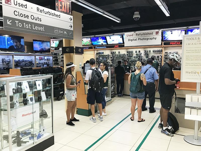 Loja especializada em vídeo e foto em Nova York