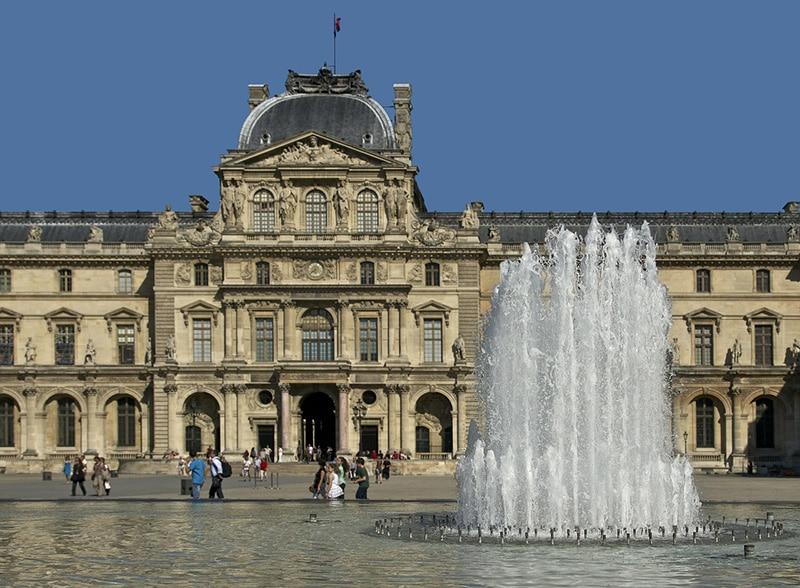 Vale a pena visitar Paris em julho?