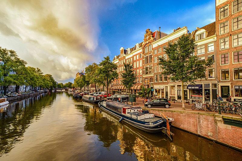Canais de Amsterdam famosos