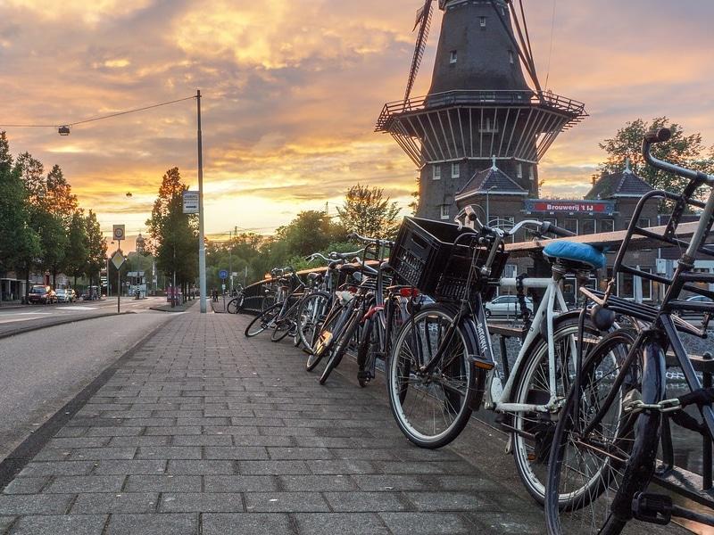 Onde tem ciclovia em Amsterdam?