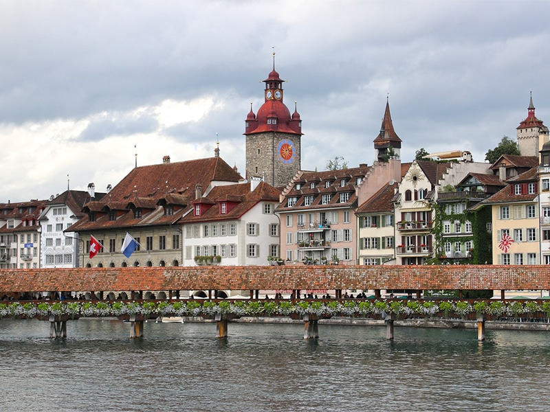 Passeios turísticos durante o verão na Suíça
