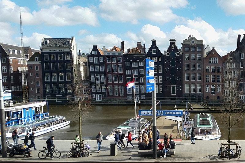 Onde pegar ferry em Amsterdam?