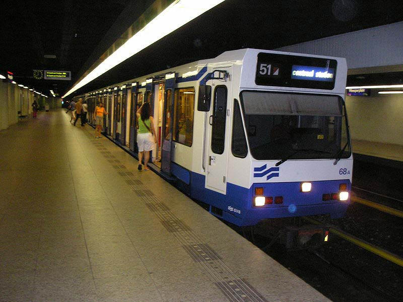 Andar de metrô em Amsterdam