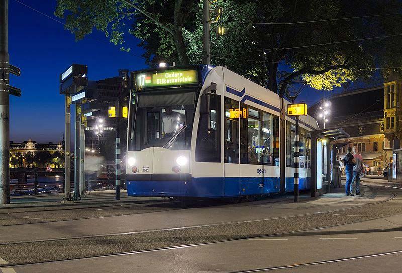 Andar de tram em Amsterdam