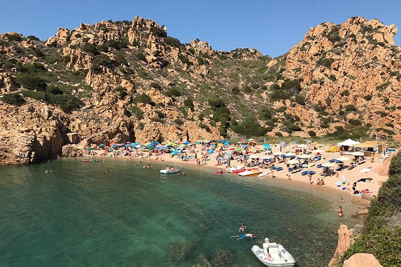 Spiaggia di li Cossi na Sardenha fotos