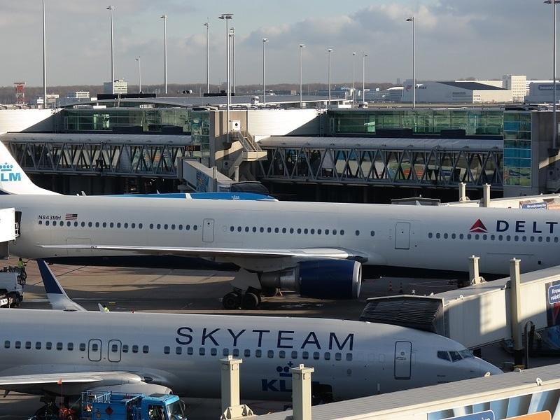 Quantos terminais tem o aeroporto de Amsterdam