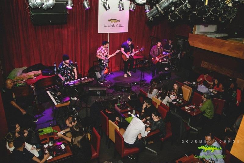 Sair para dançar música ao vivo em Lima