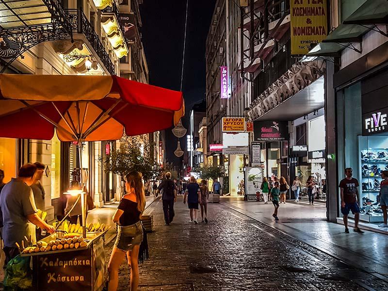 Vida noturna em Atenas