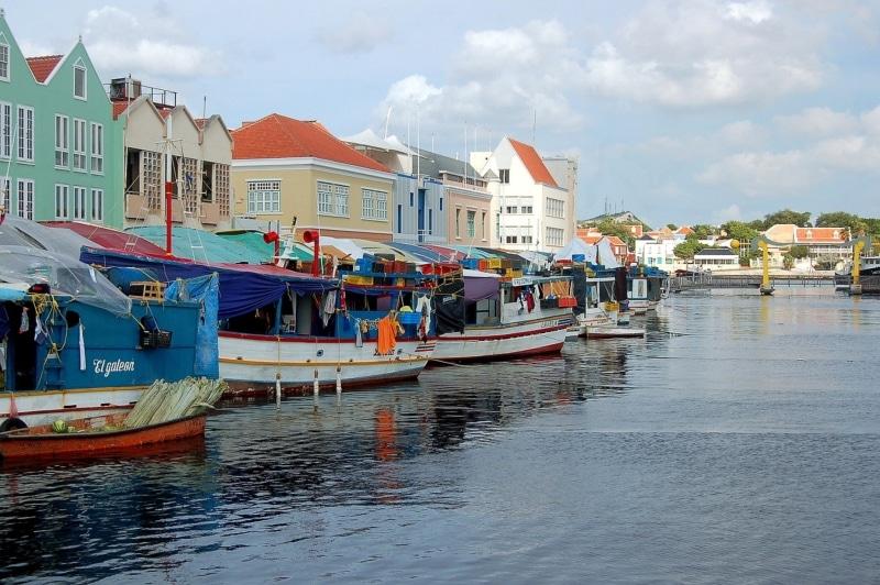 Como aproveitar Curaçao