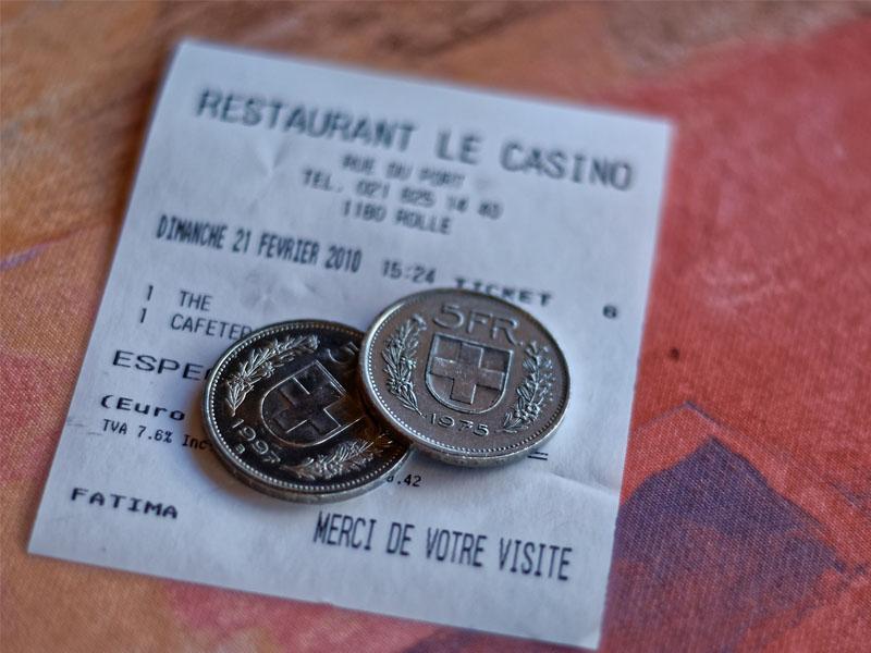 Melhor levar para Suíça Franco, euro ou real
