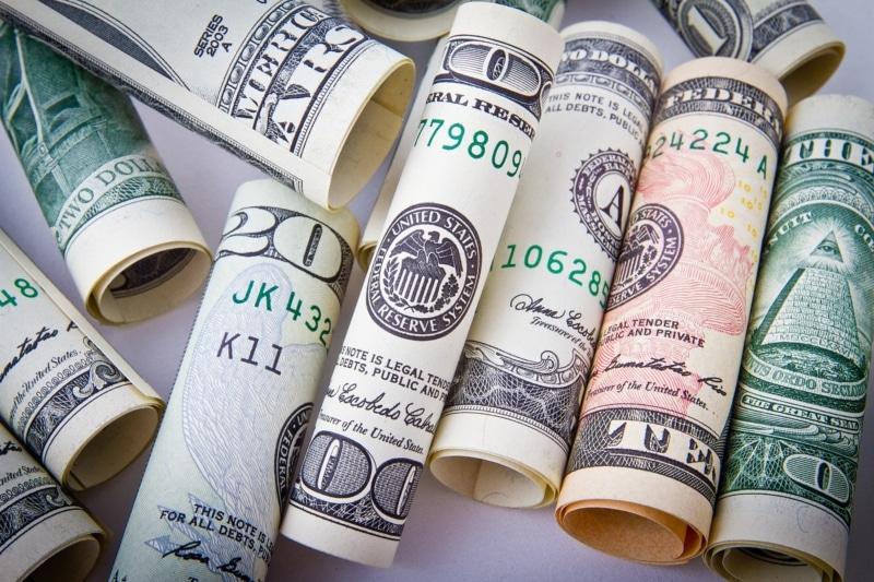 Comprar dólar canadense em Toronto
