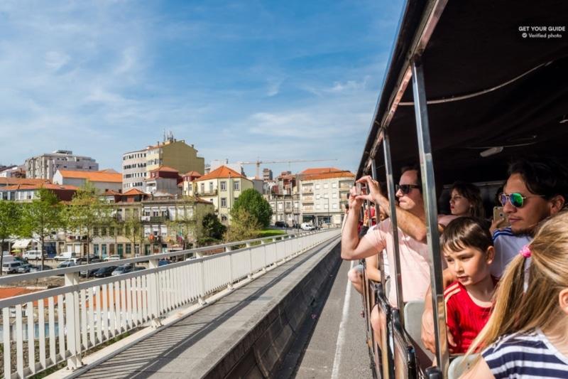 Guia turístico brasileiro em Portugal