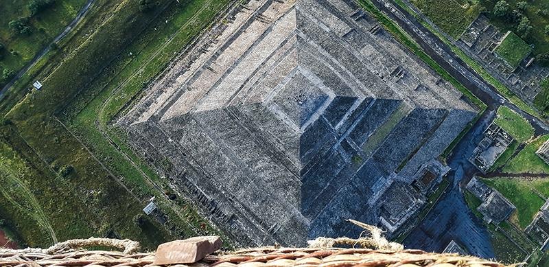Passeio nas pirâmides do México