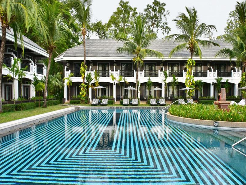 Qual hotel tem piscina de água salgada?