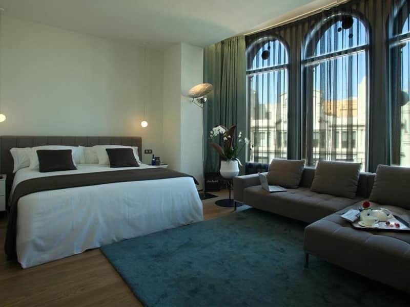 Qual o mais luxuoso hotel em Barcelona?
