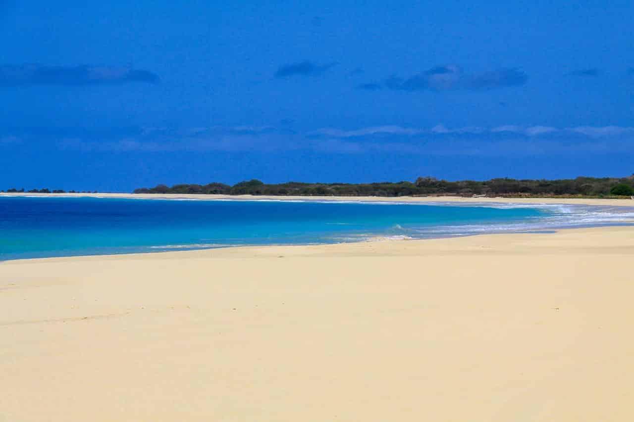 Qual a melhor praia desértica do mundo