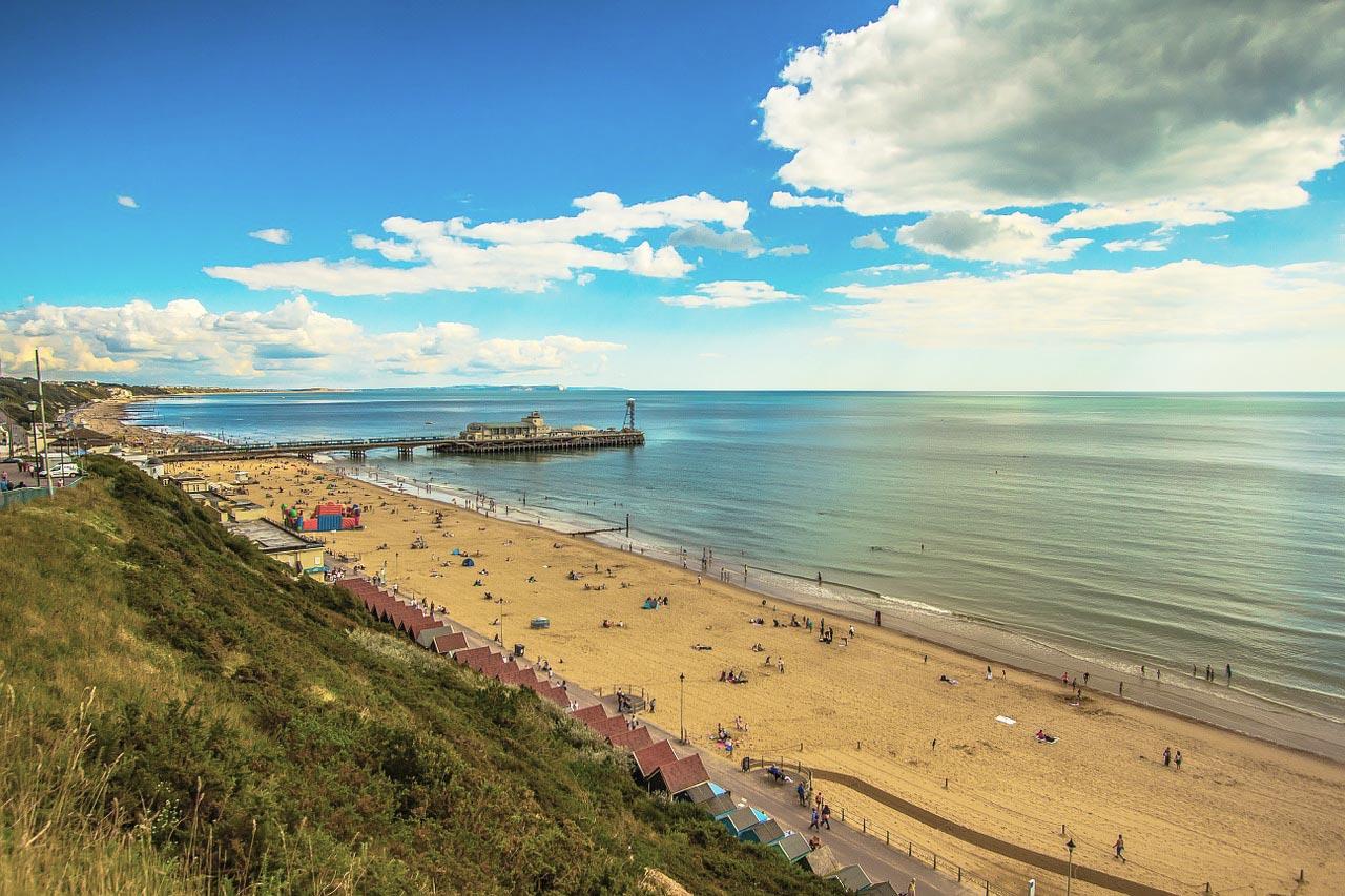 Qual a melhor praia do mundo na Inglaterra?