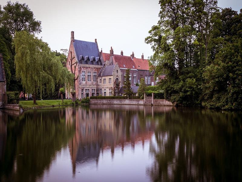 Cidades com canais na Belgica