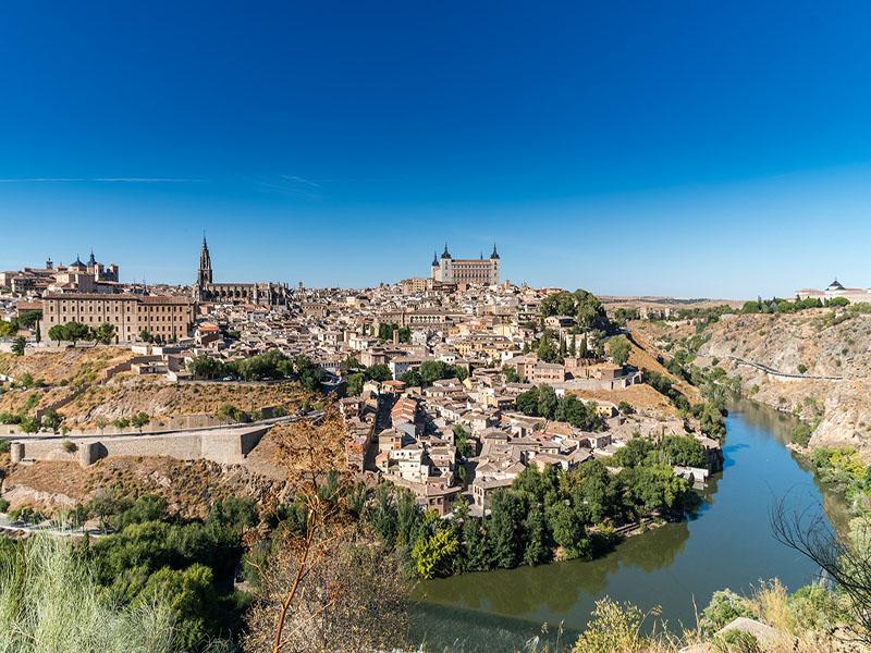 Roteiro de trem na Espanha com parada em Toledo