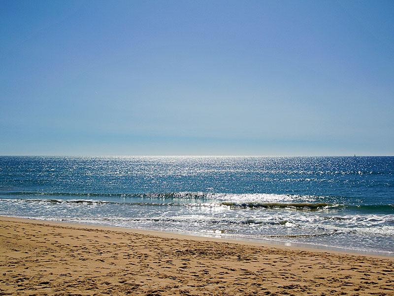 Turismo nas praias de Faro Portugal
