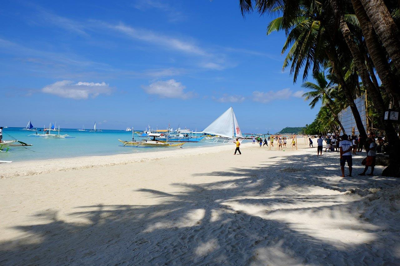 Qual a melhor praia do mundo com areia branca?