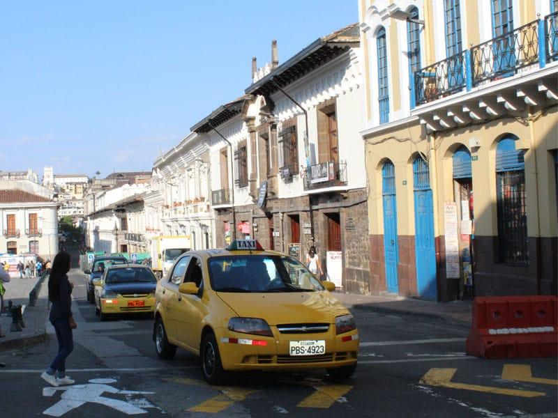 Como usar táxi em Quito