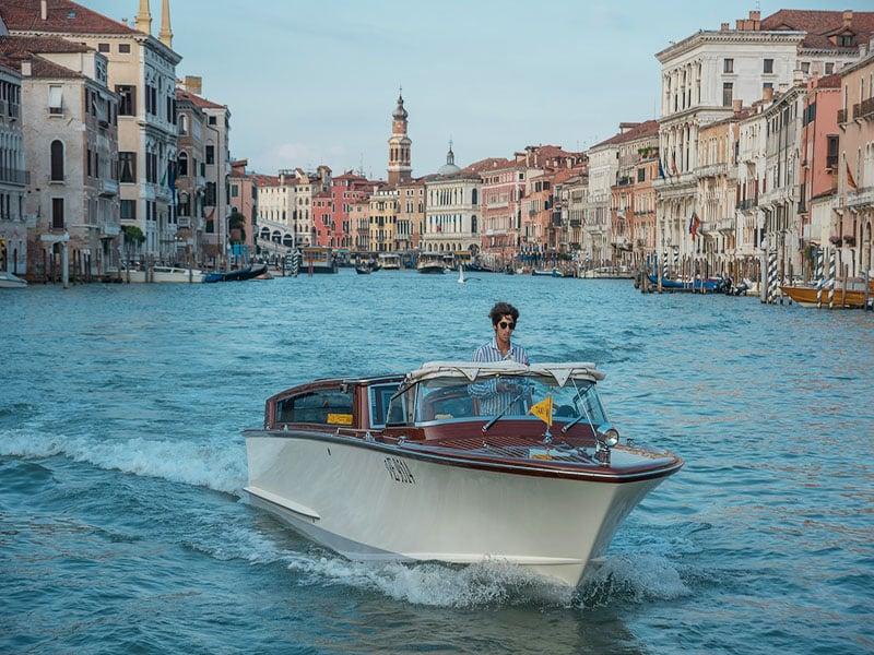 Tipos de transporte no centro de Veneza, na Itália