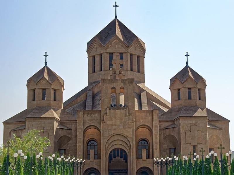 O que fazer na Europa Oriental pela Armênia?