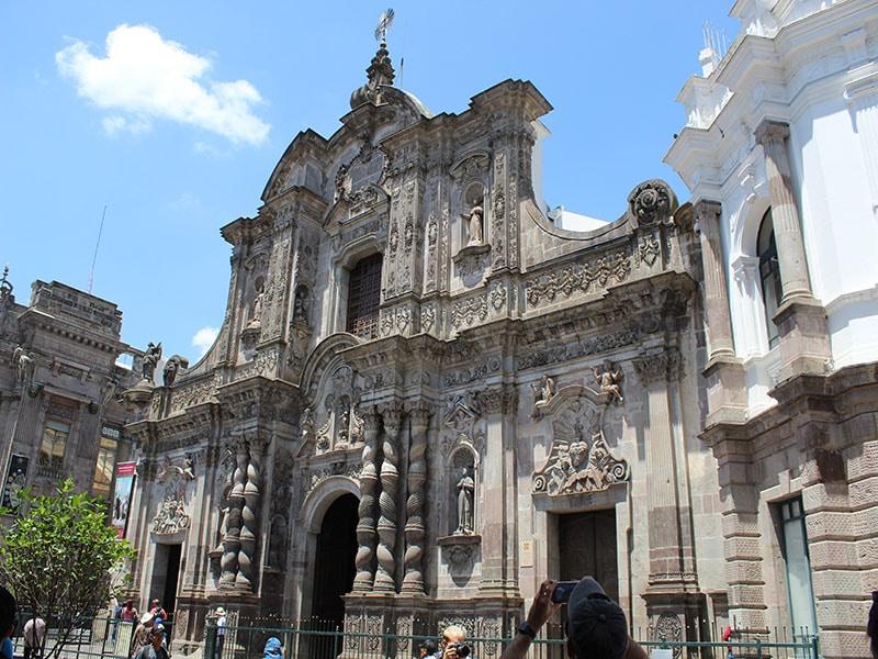 Turismo religioso em Quito
